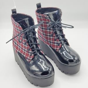 QUPID RED CHECKERED CREEPER WOMEN BOOTS SZ 6